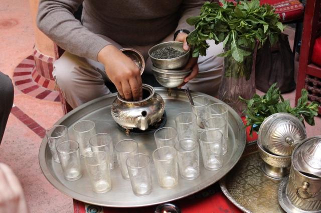 making that moroccan mint tea
