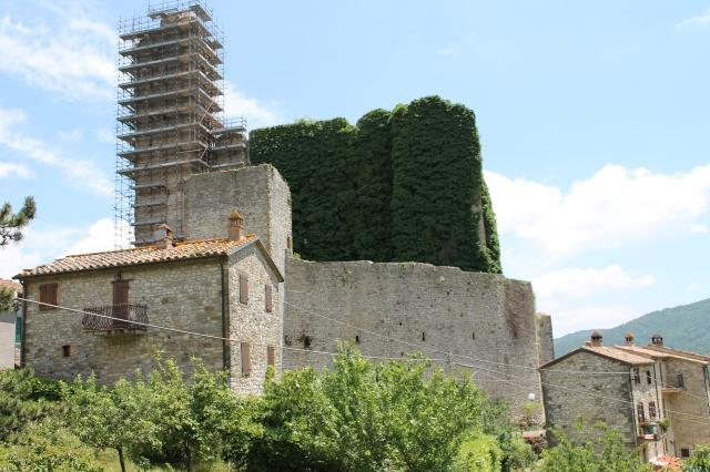 Pierle Castle and its surrounding village