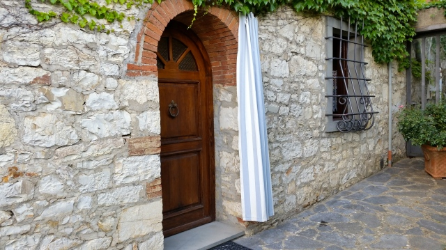 Entrance Apartment Oliva